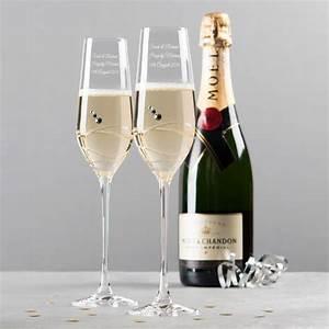 Flute A Champagne : engraved crystal champagne flutes ~ Teatrodelosmanantiales.com Idées de Décoration