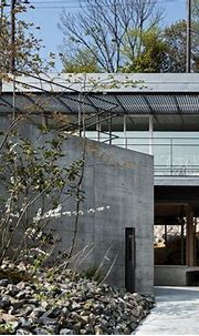 Axis House / T-Square Design Associates | House arch ...