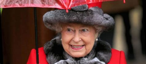 The Queen once hid in a bush to avoid a guest who was 'too ...