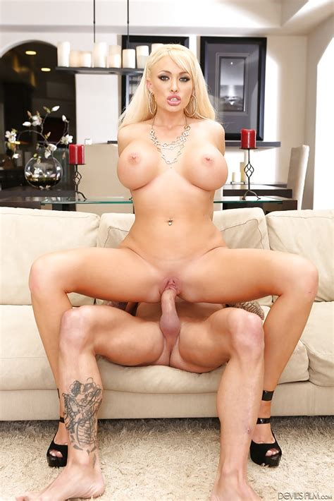 Hardcore Ass Fuck Of An Amazing Blonde Slut Summer Brielle And Her Man Porn Pictures XXX Photos