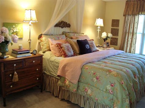Country Cottage Bedroom Decorating Ideas by Our Favorite Bedrooms From Rate My Space Diy Home Decor