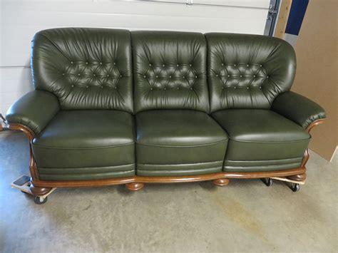 schaukelstuhl neu beziehen englisches sofa mit kapitonierung