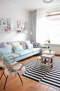 1000 idees sur le theme canapes bleus sur pinterest With tapis yoga avec canapé vintage scandinave