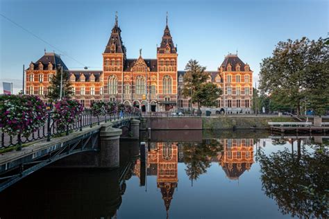 Amsterdam Museum National by Amsterdam Rijksmuseum Netherlands National Museum