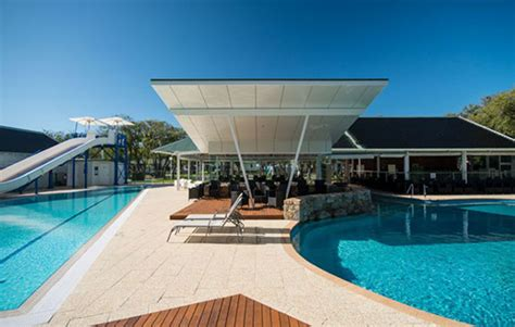 Ozone Treatment For Swimming Pools And Spas