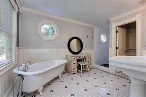27 Beautiful Bathrooms With Clawfoot Tubs (pictures
