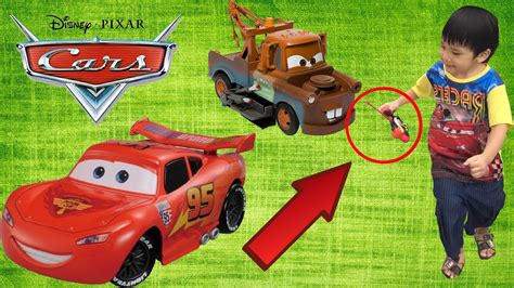 Disney Cars Lightning Mcqueen Remote Control Car And Tow