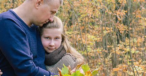 Tēva un meitas - pusaudzes attiecības. Trauslā robeža ...