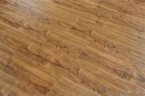 12MM Mission Oak Laminate flooring 23.33 sq/box 24158