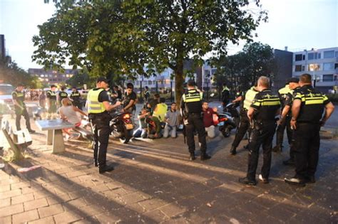 disturbances spread   cities  bored youngsters clash  police dutchnewsnl