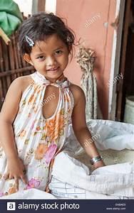 Cute Cambodian Girl Imágenes De Stock & Cute Cambodian ...