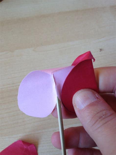 fare fiori con la carta come realizzare fiori con la carta non sprecare