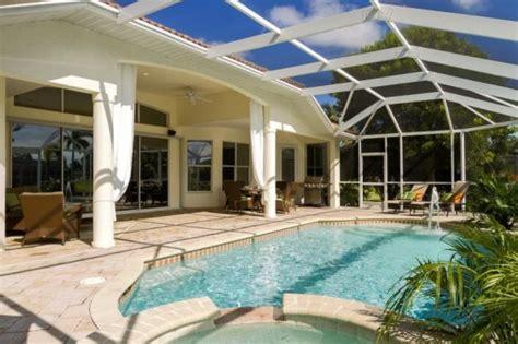 Häuser Kaufen Cape Coral by Typisches Cape Coral Ferienhaus Mit Pool Und Boatssteg