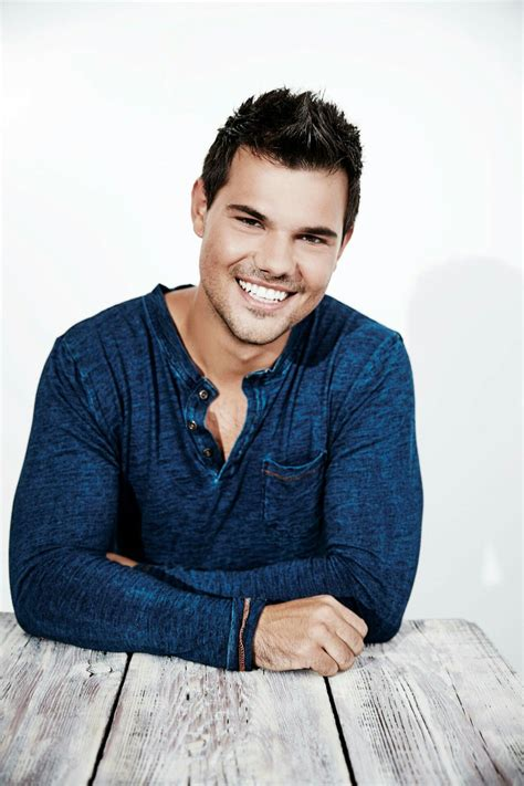 Pin by Candy on TAYLOR LAUTNER   Taylor lautner, Taylor ...