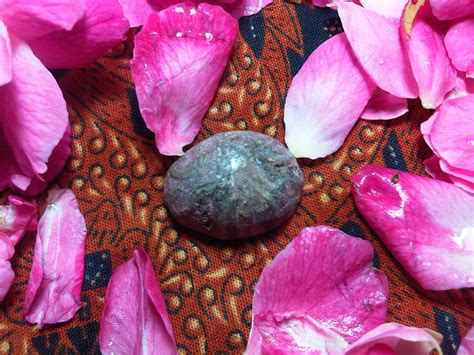 Batu Mustika Khodam Raja Jin