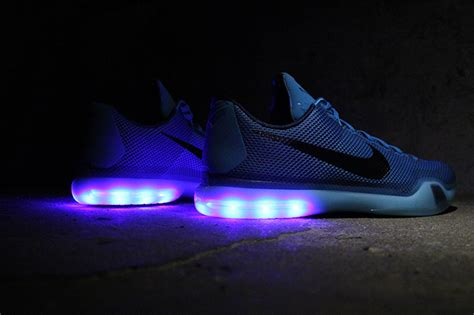 nikes that light up best nike light up shoes photos 2017 blue maize