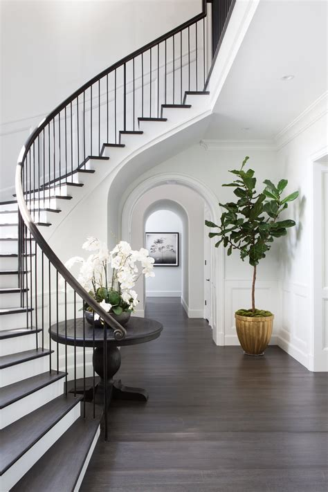 A White And Wood House For A Stylish Family by A Stylish Family Home Inspired By The Htons Entryways