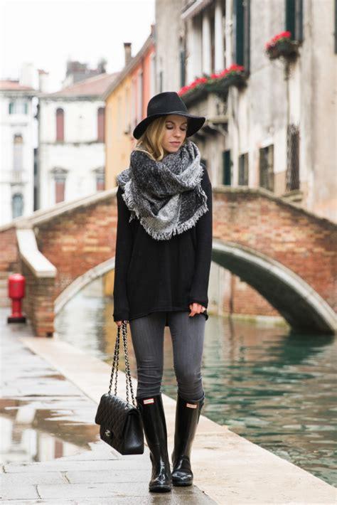 { November Rain Tunic sweater Blanket scarf u0026 Hunter boots } - Meaganu0026#39;s Moda