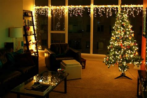 How To Use Christmas Lights In Indoor Decor