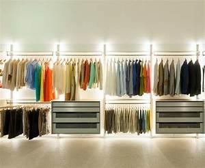 Wie Groß Sollte Ein Begehbarer Kleiderschrank Sein : begehbarer kleiderschrank ein traum vieler frauen ~ Markanthonyermac.com Haus und Dekorationen