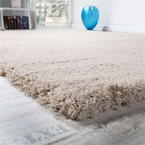 tapis poil beige tapis salon micro polyester shaggy 201 l 233 gant r 233 sistant haut poil beige clair tous les produits