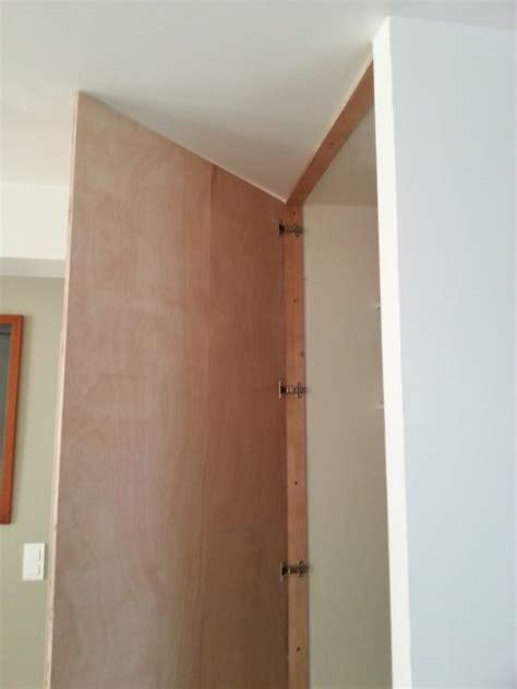 reglage porte de cuisine réalisez une porte de placard toute simple reussir ses travaux
