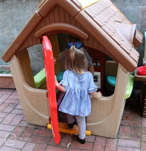 toddler and preschool outdoor play with simplay3 toys 588 | simplay 21