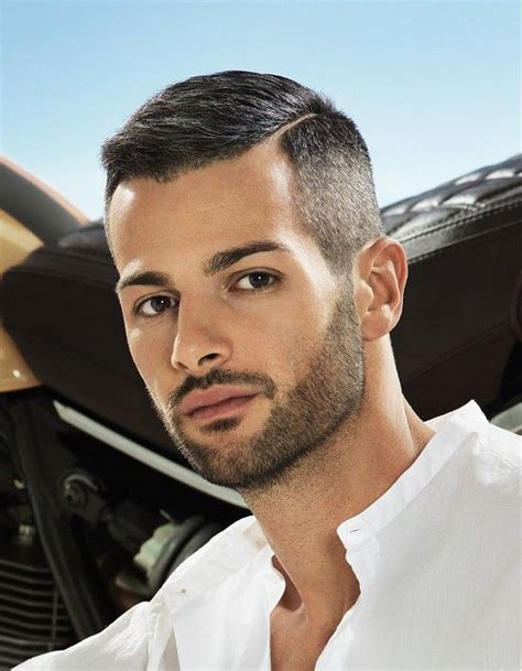 short side parting straight hairstyle haircut  men