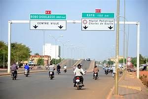 Moto De Ville : ouagadougou ville de la moto stop l 39 enfant du pays ~ Maxctalentgroup.com Avis de Voitures