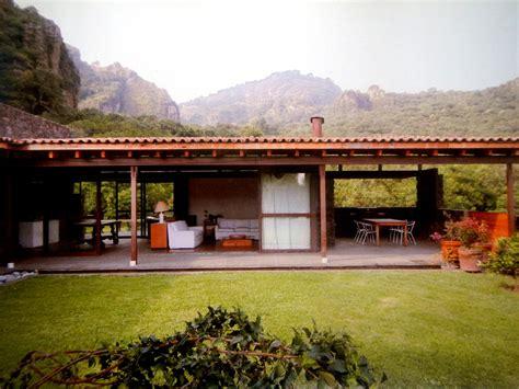 Casa In by Proyectos De Casas Constructora Sbf