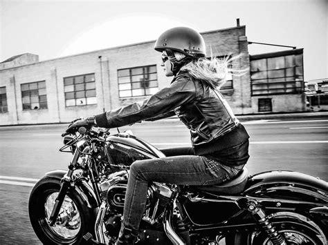 biker ou femme motarde moto scooter motos d occasion