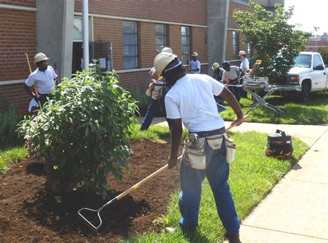 facilities maintenance students volunteer  united ways