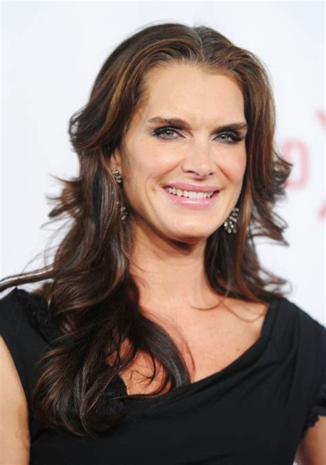 brooke shields long wavy hairstyles popular haircuts