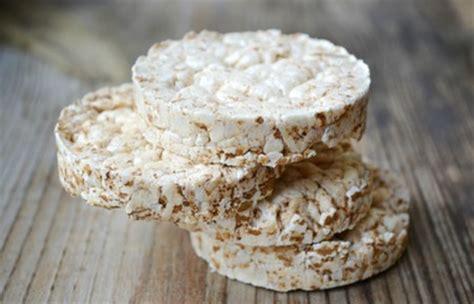comment cuisiner les galettes de riz la galette de riz soufflé un aliment à absolument éviter