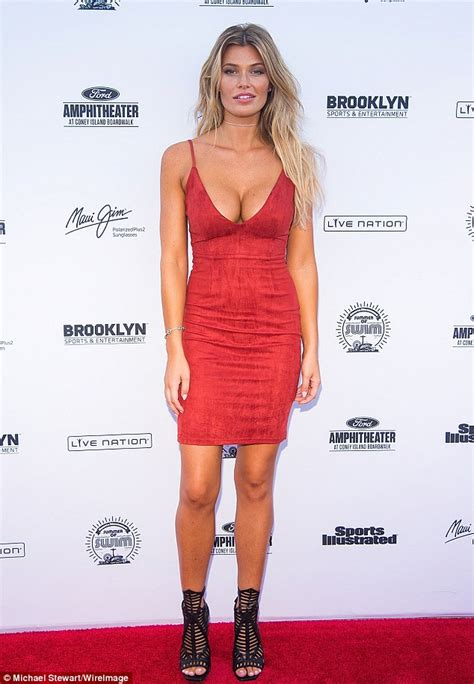 Samantha Hoopes celebrates Labor Day with American flag ...