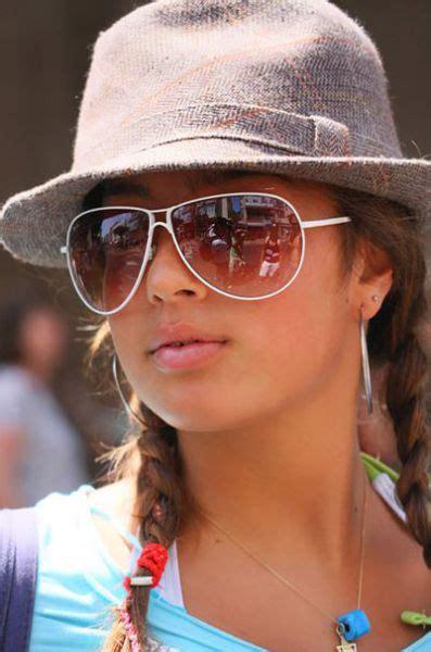 exotic beauty  israeli women travel tans pic