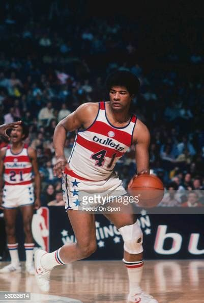 wes unseld bullets washington nba 1976 downcourt dribbles 1981 1969 during getty died game notable supersonics seattle gettyimages dc