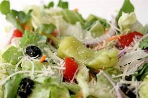 Gingersnaps olive garden salad for Olive garden salad ingredients