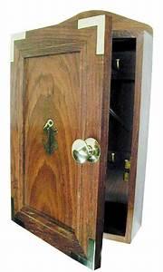 Boite A Clefs : boite a cles bois et laiton roi de bretagne ~ Teatrodelosmanantiales.com Idées de Décoration