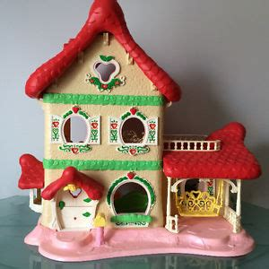 strawberry shortcake berry happy home doll house