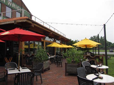 restaurant owners pergola benefits retractable pergola awnings