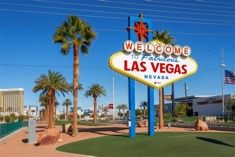 Welcome to Fabulous Las Vegas Sign | The Welcome to ...