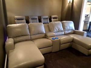 Palliser theater seating with media sofa gorgeous room for Corner home theater furniture