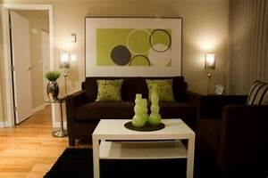 darkbrownandlimegreenlivingroomwallideas brown With brown and cream living room designs