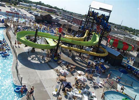 Huck's Harbor Indoor/Outdoor Waterpark - Picture of ...
