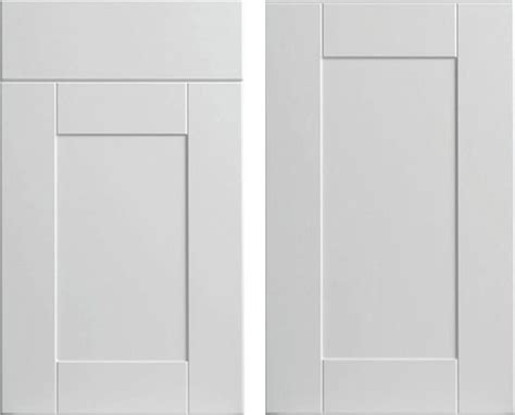 white cabinet with doors white shaker style cabinet doors white shaker bathroom