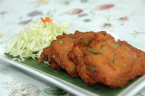 recette thot pla beignets de chair de poisson au curry recettes asiatiques restaurants