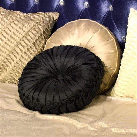Round Throw Pillows Ideas ? Home Ideas Collection : Add