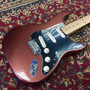 Fender Deluxe Roadhouse Stratocaster Maple Fingerboard