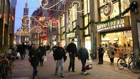 verlichting haarlemmerstraat amsterdam shopping streets in amsterdam what to buy where